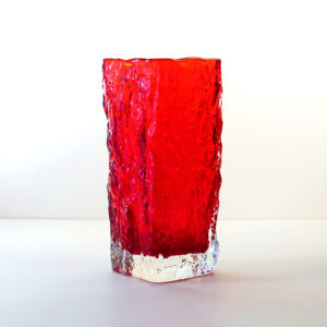 Iittala-tapio-wirkkala-red-ice-bark-crystal-vase-4