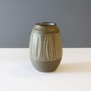 otagiri-japan-1970s-stoneware-sgraffito-vase