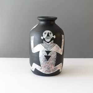 yuson-philippines-figurative-matte-black-vase