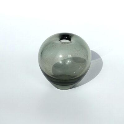 holmegaard-per-lutken-smoke-gray-bud-vase