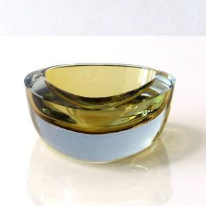 Strombergshyttan-sweden-vintage-art-glass-dish