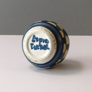lapid-pottery-works-small-stout-vase-blue-yellow-02