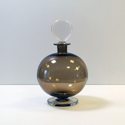 lollipop-stopper-round-gray-blown-glass-decanter