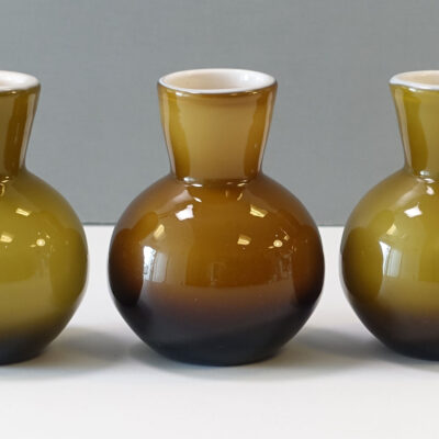 20-118-ekenas-glasbruk-cased-glass-bud-vase