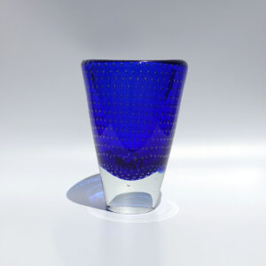 cobalt-blue-controlled-bubble-sommerso-vase