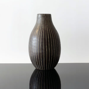 tall-black-white-sgraffito-bulb-shape-vase-2