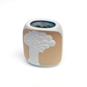 ak-kaiser-syrakus-1970s-porcelain-vase
