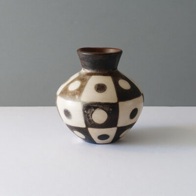 peruvian-mod-abstract-dot-terracotta-vase-2