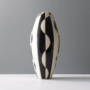 black-white-abstract-bullet-ceramic-vase