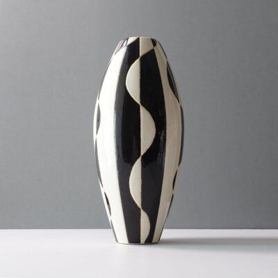 black-white-abstract-bullet-ceramic-vase