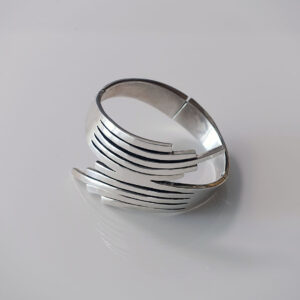 taxco-mexico-sterling-silver-hinged-cuff-bracelet