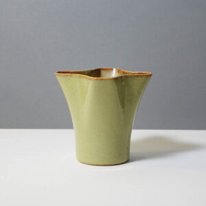stanley-ballard-vermont-porcelain-vessel-id-15