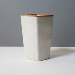 stanley-ballard-vermont-porcelain-vessel-id-49