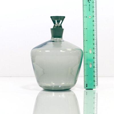 gray-modernist-decanter-triangular-stopper-2