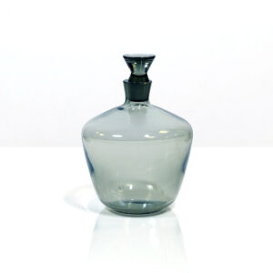 gray-modernist-decanter-triangular-stopper