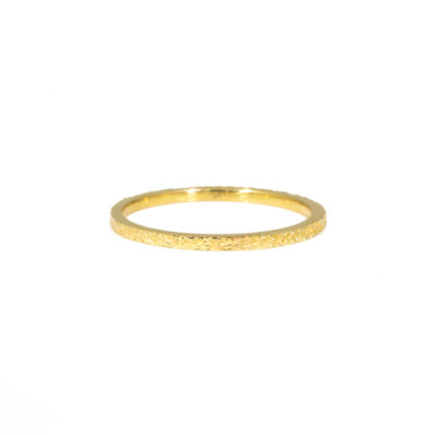 Kate_Eickelberg_18k_Yellow_Gold_Slim_Sand_Band