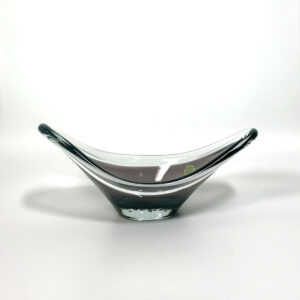 swedish-amethyst-asymmetrical-centerpiece-bowl