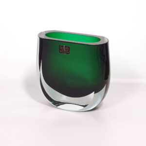 block-argentina-green-crystal-vase