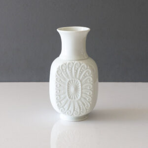 royal-porzellan-classical-motif-white-porcelain-bud-vase