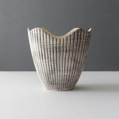 royal-haeger-scallop-centerpiece-vase