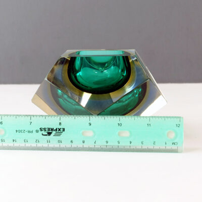 murano-green-faceted-sommerso-dish