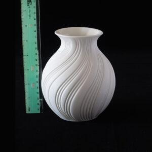 ak-kaiser-stout-swirl-bisque-porcelain-vase-2