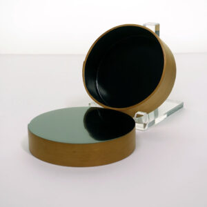 round-lacquer-shaker-style-lidded-box