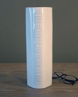 2018-039-jaeger-co-porcelain-op-art-vase