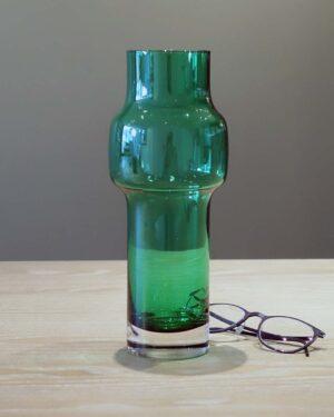 2018-045-Riihimäen-Lasi-Oy-Riihimaki-emerald-green-glass-vase-Tamara-Aladin