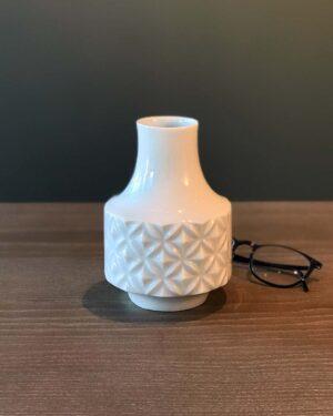 2018-062-Op-Art-Diamond-Pattern-White-Porcelain-Vase