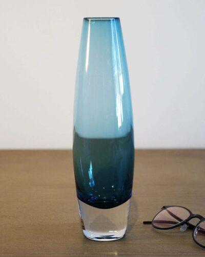 2018-089-Aseda-Glasbruk-Pale-Blue-Bullet-Vase