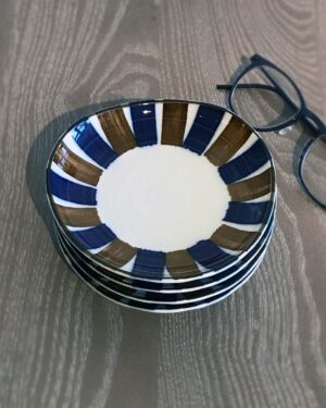 2018-106-japanese-blue-and-brown-stripe-four-plates
