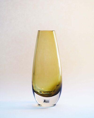 2018-216-aseda-amber-bullet-vase-ray-design-shop
