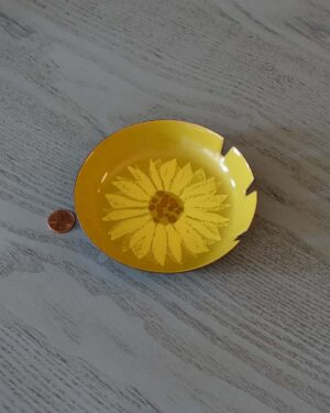 2018-249-bovano-enamel-sunflower-smaller-ashtray