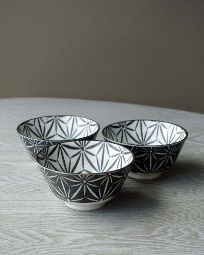 2018-272-Awasaka Komon-Black-and-White-Star-Pattern-Bowls