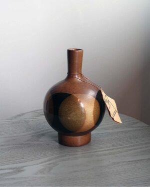2018-304-pottery-craft-large-round-long-neck-dark-color-scheme
