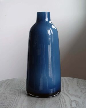 2018-329-venini-style-blue-tapered-cased-glass-vase