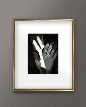 2018-408-moholy-nagy-hands-fotogram-gold-frame