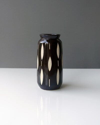2018-447-piesche-and-reif-medium-columnar-sgraffito-east-german-vase