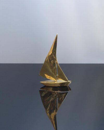 small-brass-sailboatA1