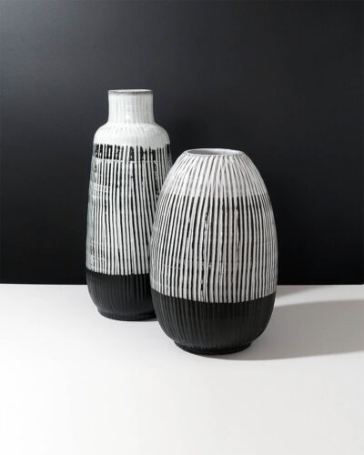 sgraffito-striped-stoneware-XXL-vase-B