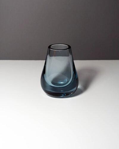 whitefriars-arctic-blue-hambone-art-glass-bud-vase-1