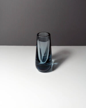 whitefriars-arctic-blue-hambone-art-glass-bud-vase-2