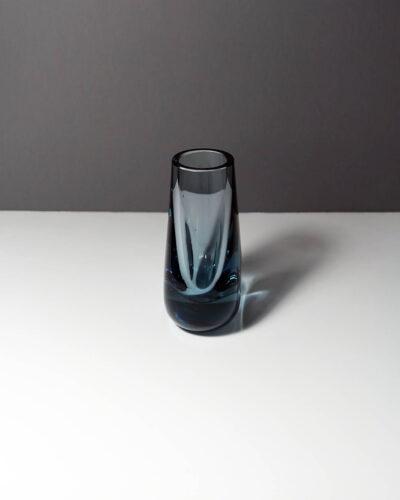 whitefriars-arctic-blue-hambone-art-glass-bud-vase-2