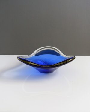 cobalt-blue-bowl