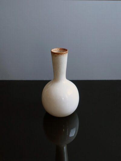 ballard-long-neck-bulbous-pottery-vase