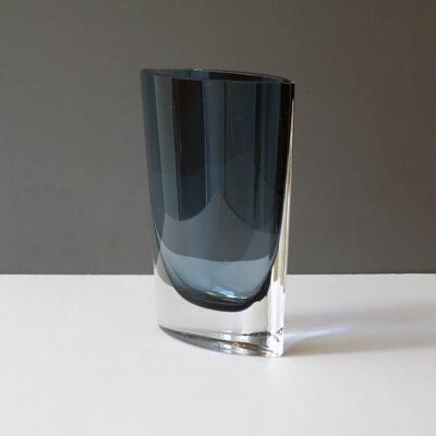 blue-tall-crystal-pocket-vase