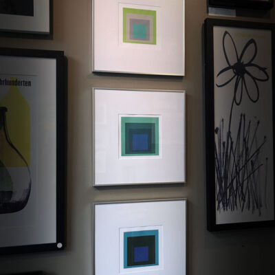 josef-albers-interaction-green-blue-spectrum-x3