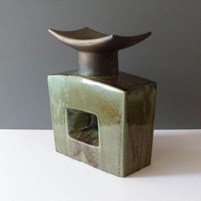 xxl-ikebana-temple-shaped-fat-lava-vase