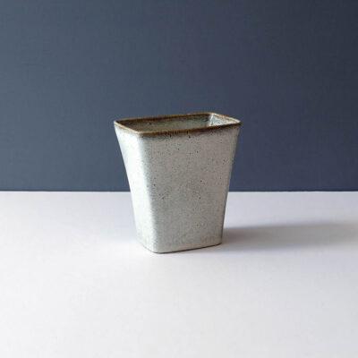 stanley-ballard-vermont-large-vase-planter-darker-rim